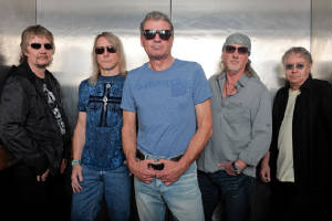 news_110804_deep_purple_2011.jpg