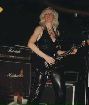 xghsalabikinibarcelona2001girlschool1.jpg